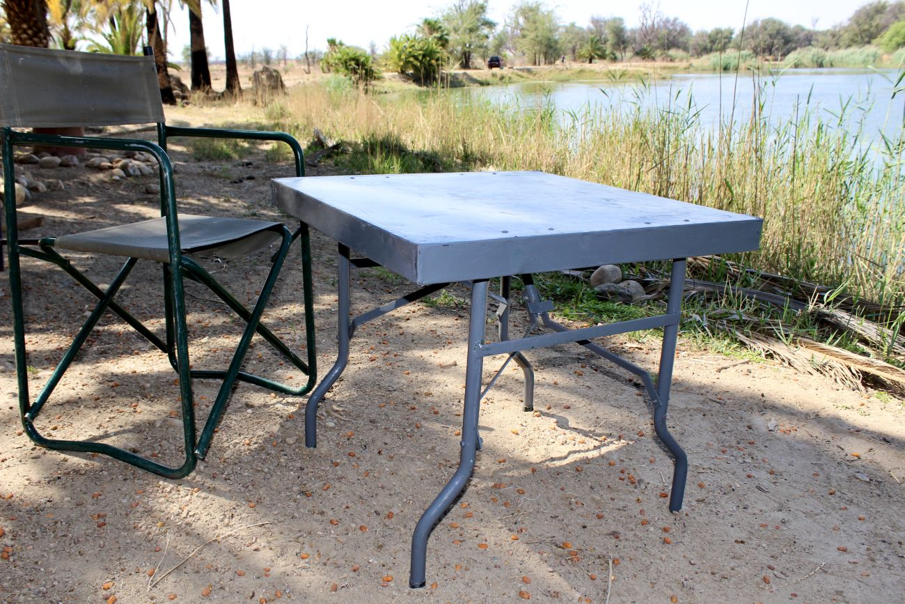 Table steel small