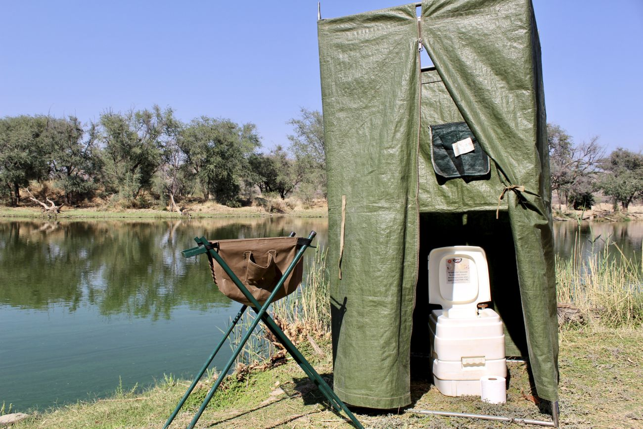 Tent with chemical toilet